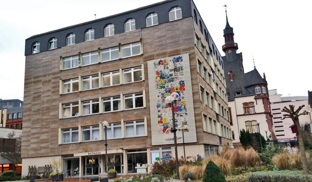 Rathausanbau: Bürogebäude oder Hotel? Vorschlag: Studentenwohnheim! | Neues Limburg