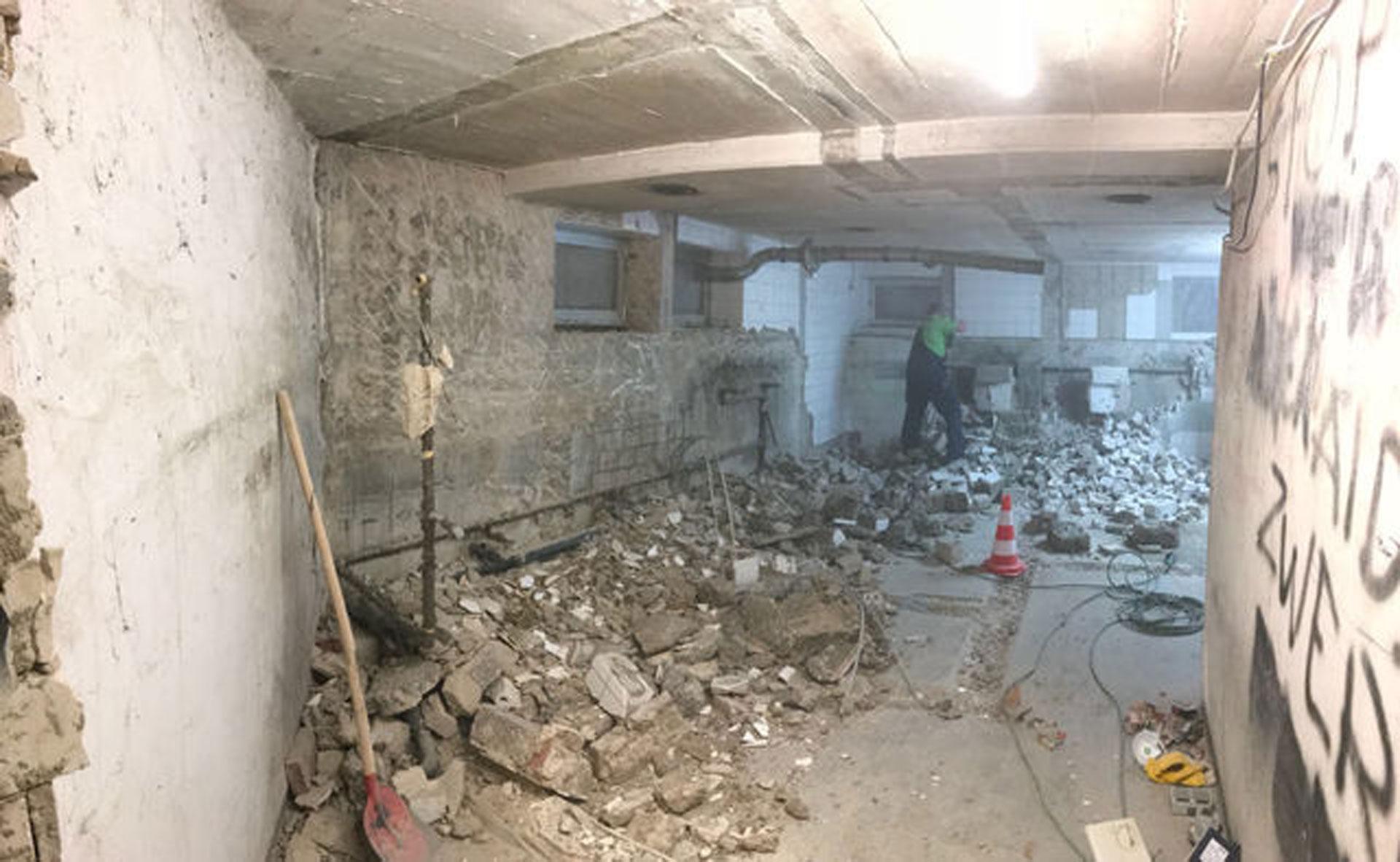 Über 6.000 schadhafte Stellen Beton sind im Rahmen der Arbeiten freigestemmt worden. © Chemicon