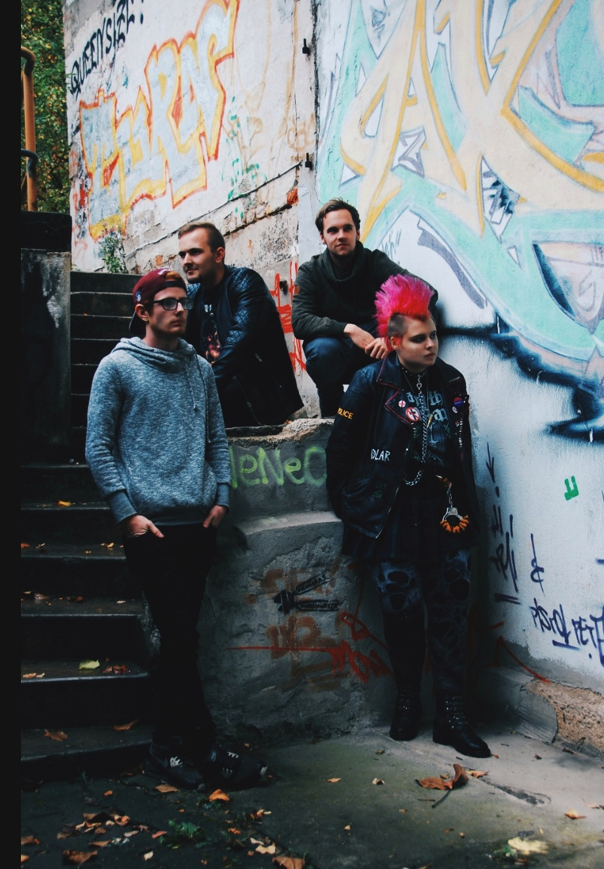 Drunken Perspective machen Punkrock. Sie sind die Newcomer-Band, die sich aber genauso rotzig, dreckig und laut anhört wie man es schon immer von Punk Rock gewohnt war. © Drunken Perspective