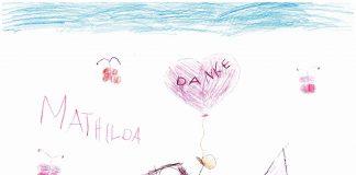 Mathilda leidet an einer meist tödlich endenden Krebserkrankung: dem Neuroblastom. #TeamMathilda hat mit Hilfe eines Spendenaufrufs eine Anti-GD2-Antikörper-Therapie in Barcelona möglich gemacht. Mit diesem Bild hat sich Mathilda Ende April persönlich bei allen Spendern bedankt. Bild: Mathilda Schmidt